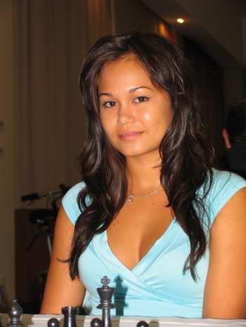 Arianne Caoili