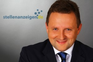 Dr. Peter Langbauer, Stellenanzeigen.de