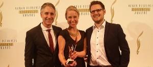 HR-Excellence Award Frank Staffler, Leiter Recruiting Graduates Sales & Business bei der Deutschen Telekom AG, Sara Lindemann, Head of Business & Client Development viasto,  Martin Becker, CEO viasto (von links nach rechts)