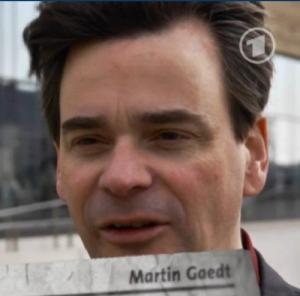 Martin Gaedt:  1 Std. Vorgespräch und 1 1/2 Std. Dreh für 3 Sätze im TV...