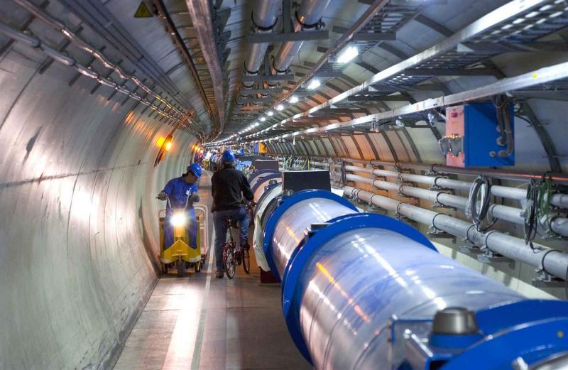 Im CERN Tunnel: Auf der Suche nach Teilchen und Talenten