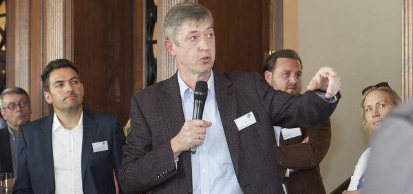 Wegweisend: Prof. Dr. Peter M. Wald auf der HR-Edge