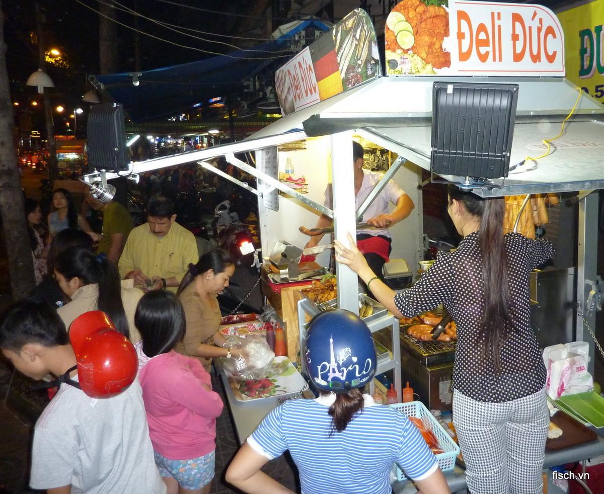 picture_Bratwurststand_Deli_Duc_in_Saigon